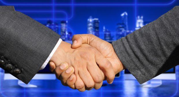 GSK od Novartisu kupuje zbytek podílu ve společném podniku