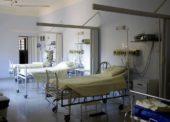 Podle AVEL dluží státní nemocnice za léky více než miliardu korun