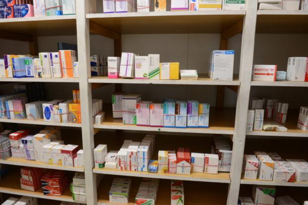 Průzkum odhalil pokles vydaných léků na recept v nemocničních lékárnách