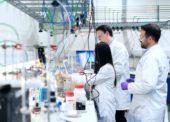 Sanofi a GSK spojí síly při vývoji vakcíny proti nemoci Covid-19