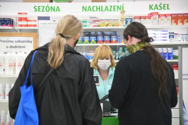 Lékárny během pandemie fungovaly s minimálním omezením